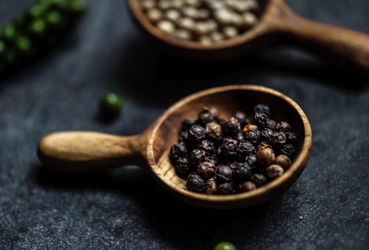 curcuma y pimienta negra salud